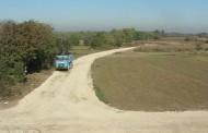 Nasipanje seoskih puteva u Lapovu